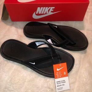NWT Nike sandals